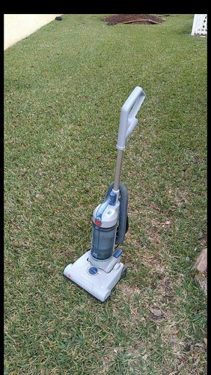 Hoover vacuum for Sale in Loxahatchee, FL