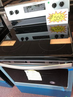 Electric stove whirlpool brand new,scratch and dents Appliances depot (Comercial Blvd) for Sale in Fort Lauderdale, FL