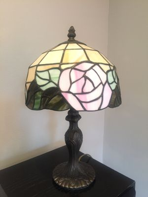 Tiffany style table lamp for Sale in Miami, FL