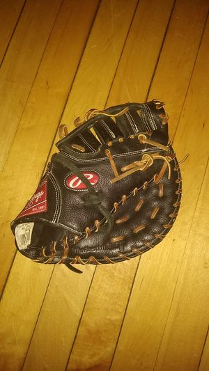 Baseball glove for Sale in Boston, MA