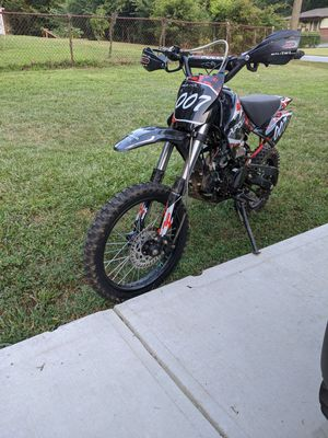 2019 Apollo dirt bike adult size 125cc 4 speed. for Sale in Mableton, GA