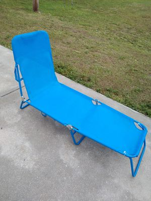 LIKE NEW BEACH CHAIR for Sale in Cape Coral, FL