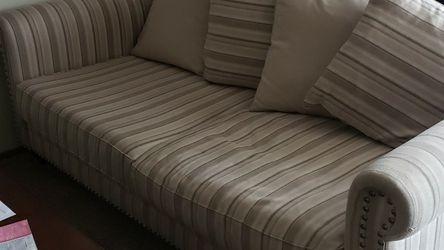 Free Couch, It's Has A Little Wear, But It's Still In Good Shape.. for Sale in Salt Lake City,  UT