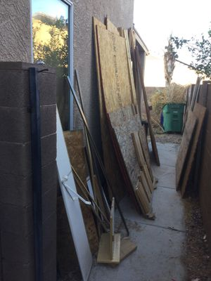 Free wood, some 2by4's and sheets of plywood. There is other pieces of wood too, must take all. for Sale in Maricopa, AZ
