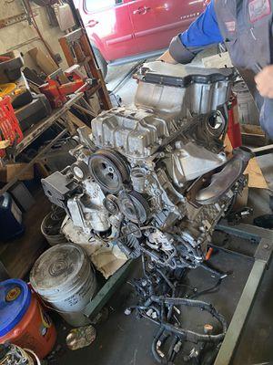 Motor Mercedes c230 se vende en partes. for Sale in Riverside, CA