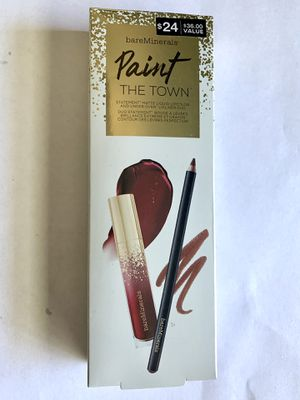"bareMinerals Paint The Town Matte Lipstick Duo - ""The perfect red!"" for Sale in Las Vegas, NV"