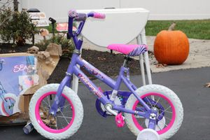 Girls Huffy Bicycle New Condition for Sale in Tewksbury, MA