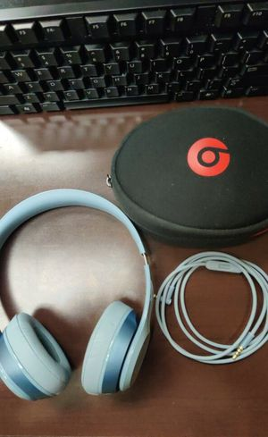 Beats Solo 2 Wolf Grey color for Sale in Hendersonville, TN