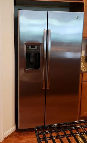 GE 23.3 Cu. Ft. Side-by-Side Refrigerator for Sale in Saint Charles, MD