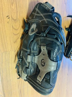 "Demarini Diablo 14"" softball glove for Sale in Peoria, AZ"