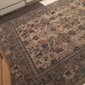 Rug for Sale in Cleveland, OH