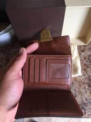 New Louis Vuitton wallet for Sale in Smyrna, TN