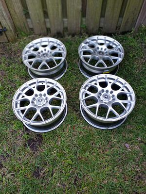 Like new 15in velox staggered wheels 5 x 100 or 5 x 114.3 Universal Wheels for Sale in Tampa, FL