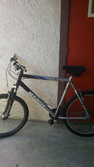 Giant mountain bike 26 inch for Sale in Mesa, AZ
