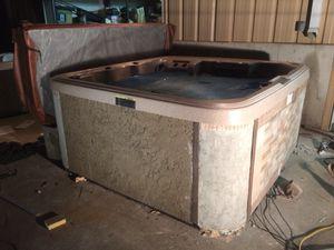 84 x 84 spa Hot Tub W/Custom cabinet for Sale in Pleasant Hill, MO