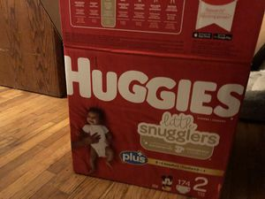 Huggins little snugglers size 2 diapers for Sale in Carson, CA