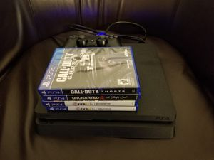 Ps4 with controller and 4 games for Sale in MONTGOMRY VLG, MD