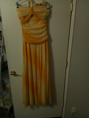 Women's large formal yellow gown prom for Sale in Mesa, AZ