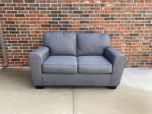 Ashley Calion Loveseat & Throw Pillows - Less Than 1 Year Old for Sale in Broken Arrow, OK