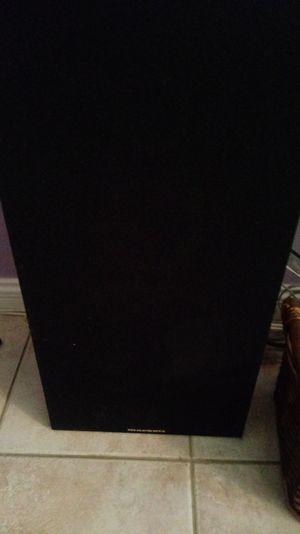 Marantz 8in home speakers for Sale in Phoenix, AZ