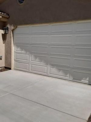 Puerta usada de garage dorr for Sale in Lake Elsinore, CA