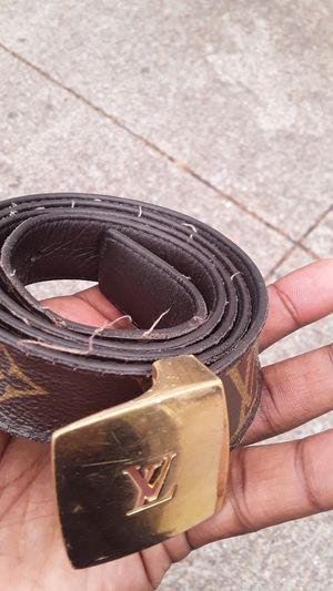 Used Louis Vuitton belt light wear good condition for Sale in San Diego, CA