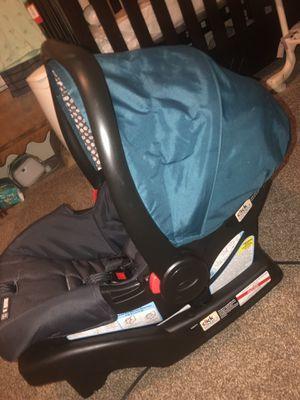 Graco car seat for Sale in Warwick, MA