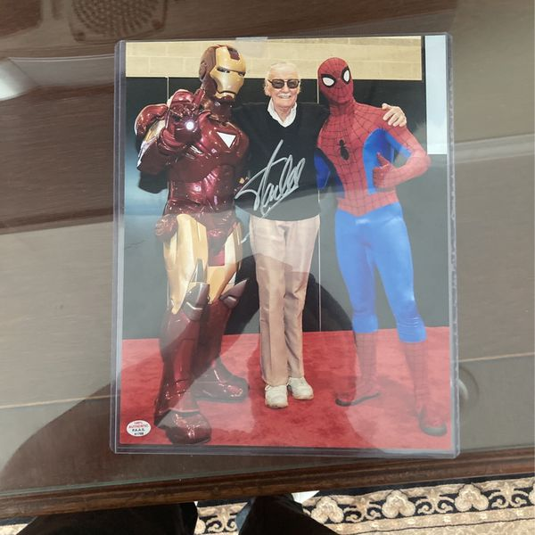 Signed Stan lee Picture (Certification Of Authenticity )