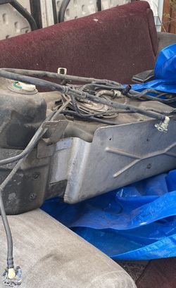Chevy 2004 Trailblazer Gas Tank for Sale in Whittier,  CA
