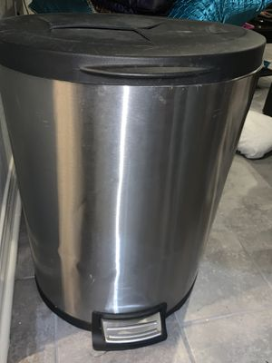 Stainless steel large trashcan with removable inside bucket for Sale in Pineville, LA