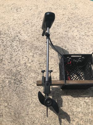 34 pound thrust trolling motor for Sale in Port St. Lucie, FL