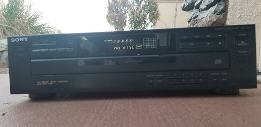 """""""Sony"""" CD Player for 5 Discs for Sale in El Paso,  TX"""