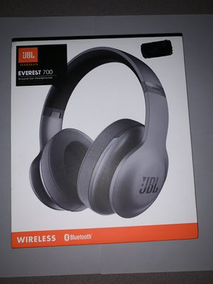 Wireless Bluetooth Headphones- JBL Everest 700 around-ear headphones (like new) for Sale in Rosholt, WI
