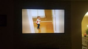 Tv with wall mount for Sale in Phoenix, AZ