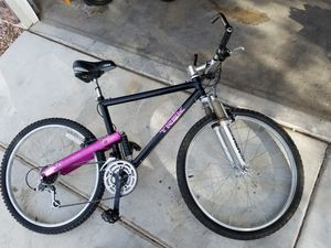26in trek mountain bike 200$ or best offer!!! for Sale in Las Vegas, NV