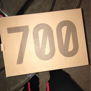 Dead stock Yeezy 700 Boost Sz 9 for Sale in Germantown, MD