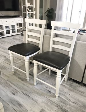 2 counter height chairs for Sale in Casa Grande, AZ