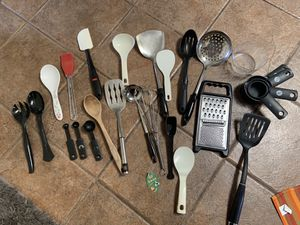 Kitchen utensils lot for Sale in Spring Valley, CA