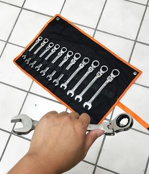 Brand New $37 Flexible Head 12pcs Ratcheting Wrench Spanner Tool Set 8-19mm Metric for Sale in South El Monte, CA