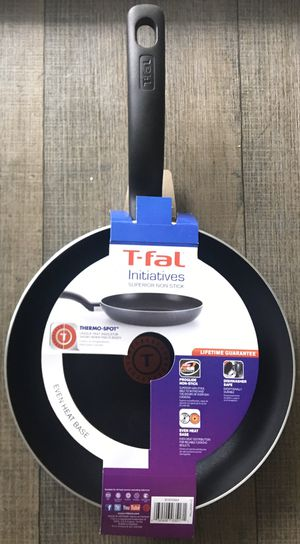 T-fal initiatives superior non stick 10'inch fry pan for Sale in Westmont, IL