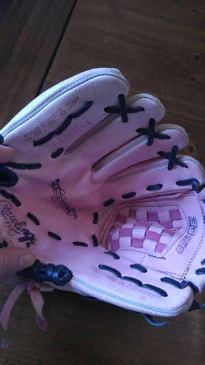 "Pink 11"" girls baseball glove for Sale in Southampton Township, NJ"
