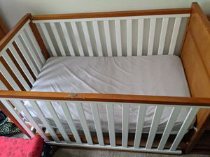 Crib, Changing Table, Converts to Toddler Bed $200 OBO for Sale in Naugatuck, CT