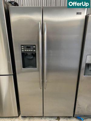 Side by Side GE Refrigerator Fridge 36 in. Wide #1265 for Sale in Orlando, FL