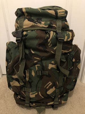 Look LEGIT with this LIKE NEW 75L FOX OUTDOORS CAMO BACKPACK! for Sale in Aldie, VA
