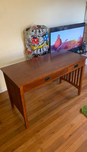 Free real wood table for Sale in Miami, FL