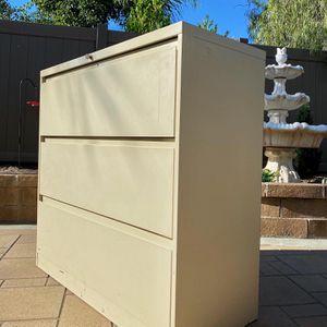 Steelcase File Cabinet for Sale in Yorba Linda, CA