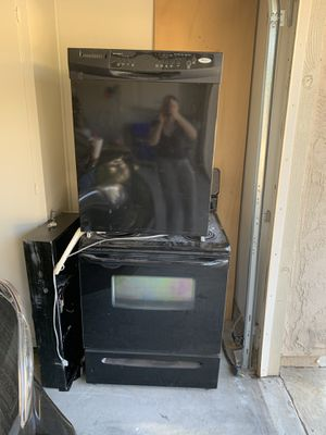 Whirlpool electric stove and dish washer for Sale in Oceanside, CA