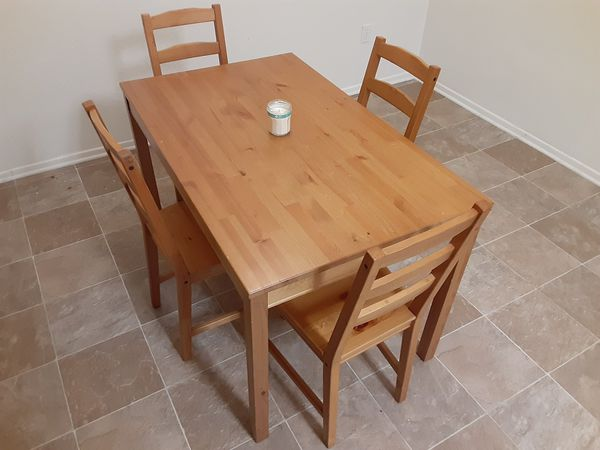 Great deal! Excellent ikea dining table with chairs!!
