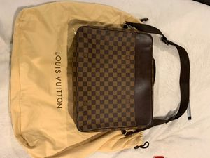 Louis Vuitton brief case/ shoulder bag for Sale in Brentwood, TN