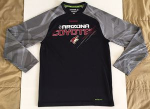REEBOK Center Ice ARIZONA COYOTES PlayDry Black Red Gray White Shirt Mens Sz Medium for Sale in Tempe, AZ